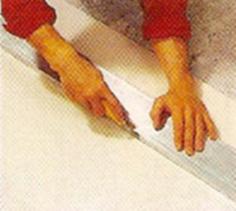 Découpe de plaque de Placoplatre au cutter